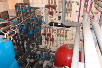 монтаж оборудования водоема