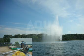 Большой плавающий фонтан